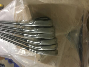 6 piece right handed MacGregor iron set tourny mt graphite shaft