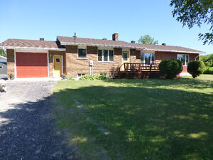 Year Round Spacious Home W/ Acreage Noelville, Ont.