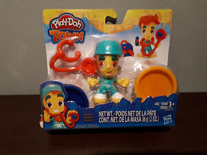 PLAY-DOH TOWN DOCTOR....NEW!