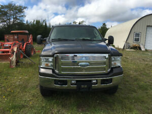 2006 Ford F-350 Lariat SD SC 4WD Diesel low kms.