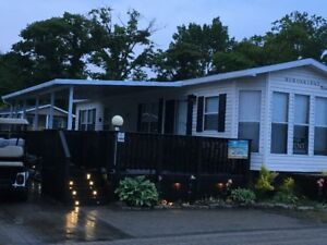 3 Deluxe Lakeview Cottage Sherkston  Shores Resort
