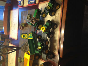 TRUCKS & JOHN DEERE TRACTOR TOY LOT