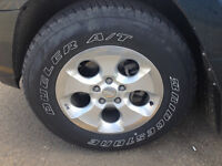 """Jeep factory 18"""" Rims 5x127m & Tires 255/70-18"""" With Sensors"""