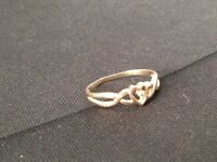 Diamond chip Accent Heart 10 K gold Ring