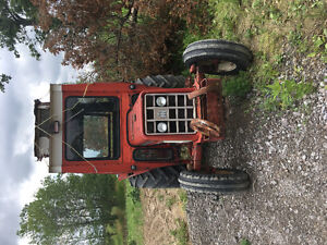 International Harvester 454 tractor with Cab
