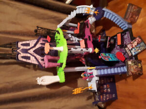Monster High Catacombs and Accessories
