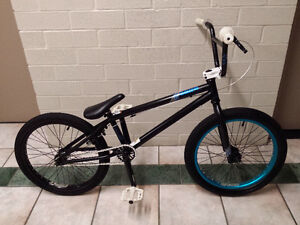 BMX MIRRACO 2012, LIKE BRAND NEW, EXCELLENT CONDITION VERY LIGHT
