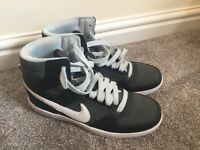 Nike hi top trainers size 6