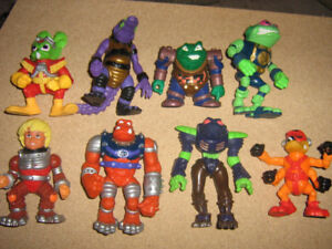 BUCKY O'HARE FIGURE LOT
