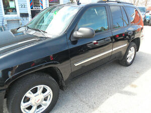 2007 GMC Envoy 4x4,sunroof,saftied,only 170,000kms