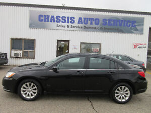 2012 Chrysler 200 Touring-CLEAN CARPROOF!6 MONTHS WARRANTY!$7399