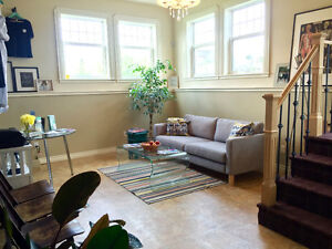 800$ First Month - Downtown - Electricity + Internet Incl.