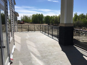 Top quality Vinyl Deck covering and Welded Aluminum railings. SU