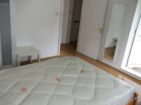 Beautiful Double Room Available Now for Rent In Crossharbour - FANTASTIC LOCATION!