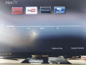 "Philips Smart TV 32"" with extra stuff (:"
