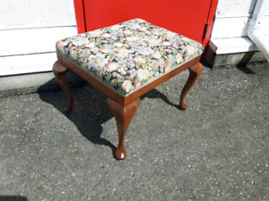 Lovely Stool With Queen Anne Legs