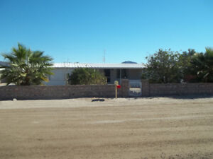 YUMA  az HOME for sale  1/3 acre ful furnish