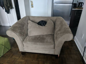 CHEAP FURNITURE FOR SALE!! MUST SELL BY END OF WEEK.