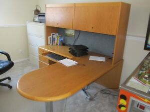 Office desk and bookcase with adjustable keyboard tray