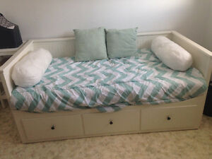Hemnes day bed with 2 foam mattresses