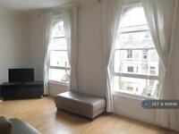 1 bedroom in Ferndale Road, London, SW4