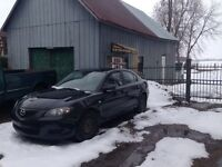 2005 Mazda 3 seulement 128000 km Echange pick up 4x4