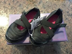 NWT Black toddler shoes size 6