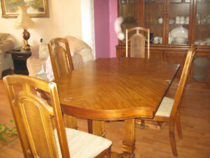 Vintage 1950 Oak dining table plus 6 chairs