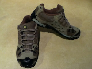Men's Merrell Hiking Shoes Size 7.5 London Ontario image 8