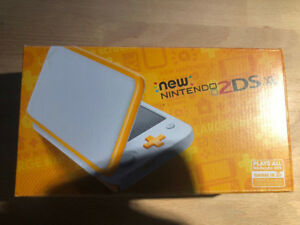 Brand New SEALED Nintendo 2DS XL Orange