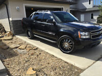 """2007 Chevrolet Avalanche LT Leather, Sunroof, 24"""" Wheels"""