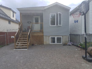 3 Bedrooms fully fence  Awesome house only $1300 & internet free