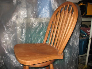 solid oak swivel bar chairs Cambridge Kitchener Area image 1