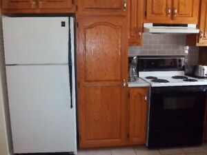 Used Admiral Stove & Fridge For Sale