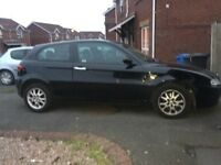 Black Alfa Romeo 147 JTD LUSSO 8V 3 door hatchback diesel 1910 CC 2004 MOT until December 2016