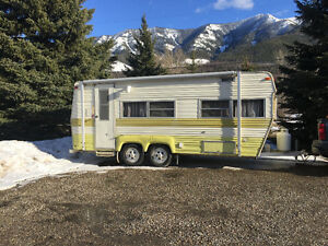 Mint Condition 21' Prowler Camper