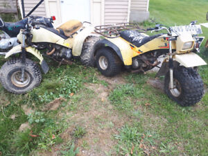 2 yamaha 200E 3 wheelers atv  1 runs other will run !