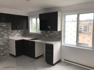 NEWLY RENOVATED 5.5 - SAINT-HUBERT - AVAILABLE NOW