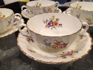 Royal Worcester Roanoke china, 4 soup bowls and saucers
