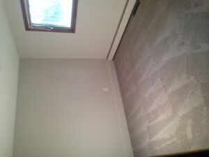 2bd apt renovated with balcony se hill