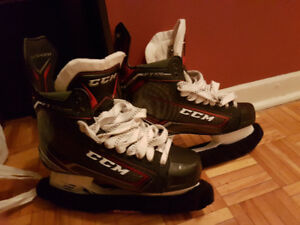 CCM Jetspeed FT370 Senior Hockey Skates Size 8.5D