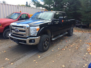 2011 Ford F-350  parting out gas