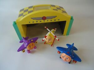 Jay Jay jet plane hanger, helicopter and 2 planes