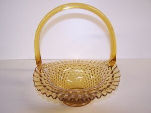 GREG'S ANTIQUES and COLLECTABLES - FENTON GLASS BASKET