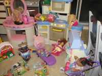 Lot de jouets(parfait pour garderie)