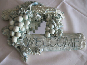 HEAVY MOLDED CLASSIC RUSTIC GRAPE-LADEN WELCOME SIGN