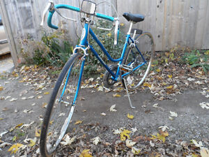 Ladies Schwinn Varsity 10-Speed Vintage Bike