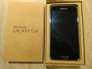 Samsung Galaxy S5 Phone in Box