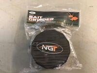 NGT BAIT GRINDER AND FUNNEL SET