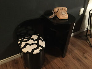 Glossy Black retro telephone table with seat